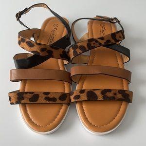 Twisted Farrah Strappy Leporad Sandal w/free belt